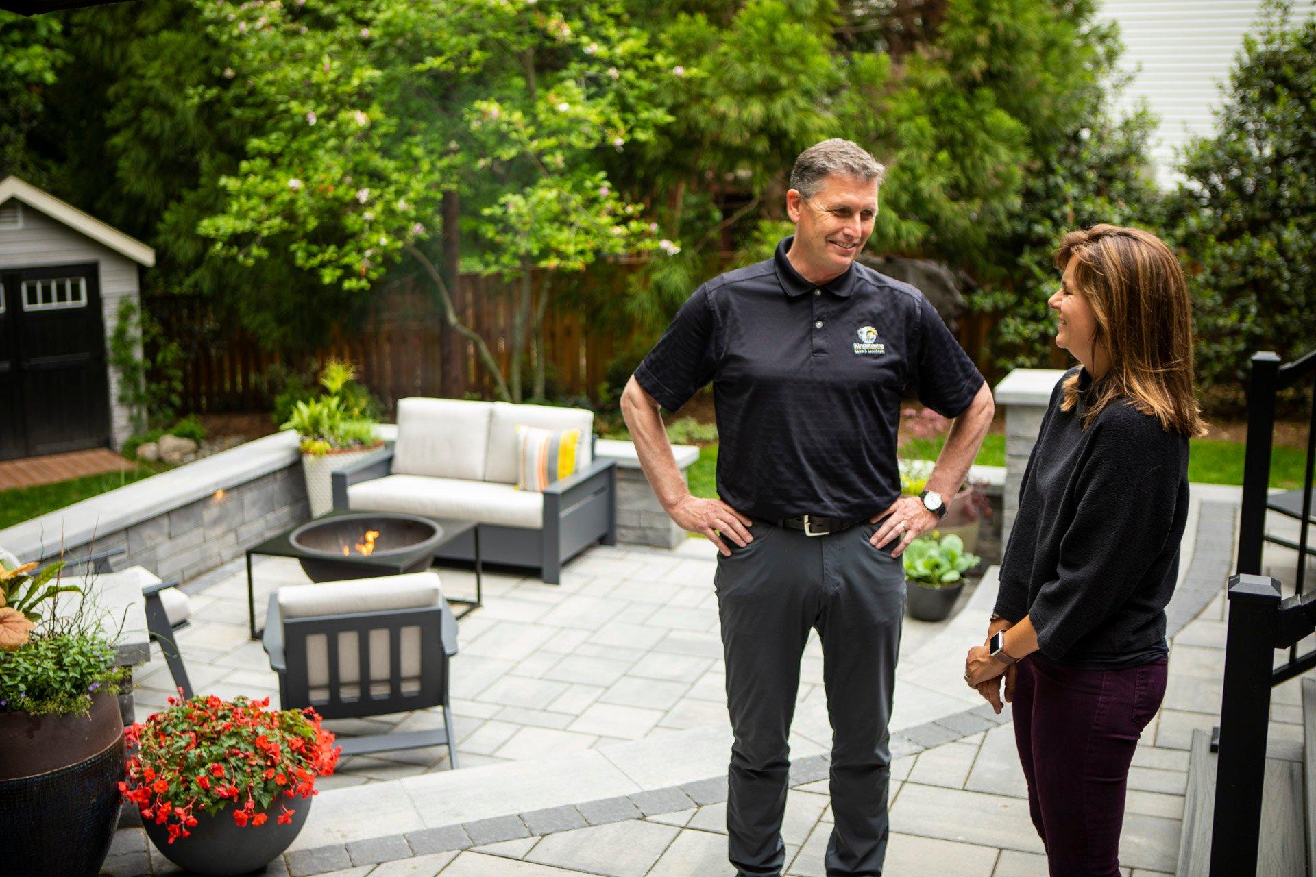 Kingstowne landscape designer with customer