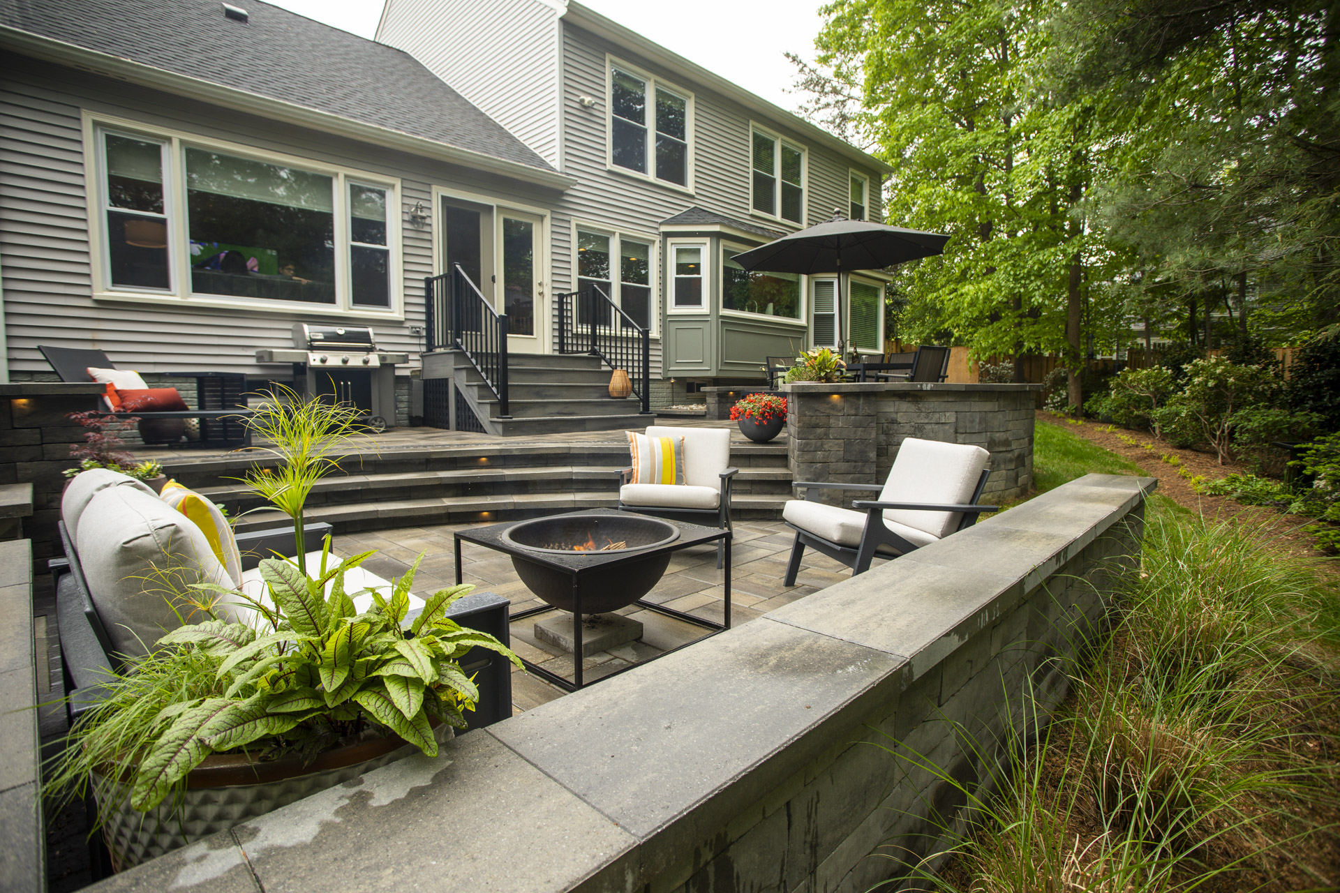 two-tiered patio with fire pit in Alexandria, VA