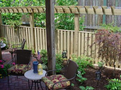 4 privacy screen ideas for backyards of