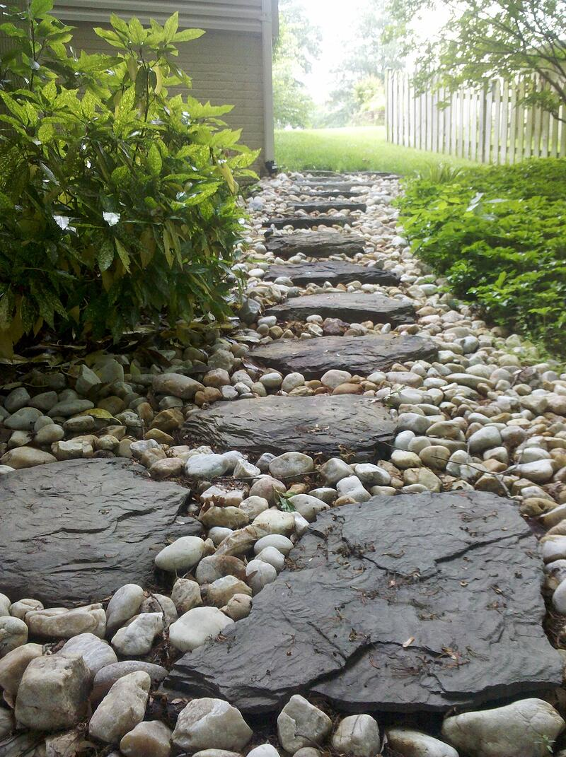 stepping stone walkway with gravel in Alexandria, VA