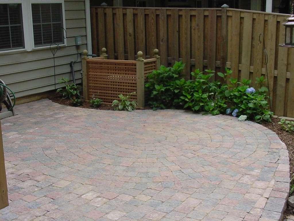 Pattern with same paver patio