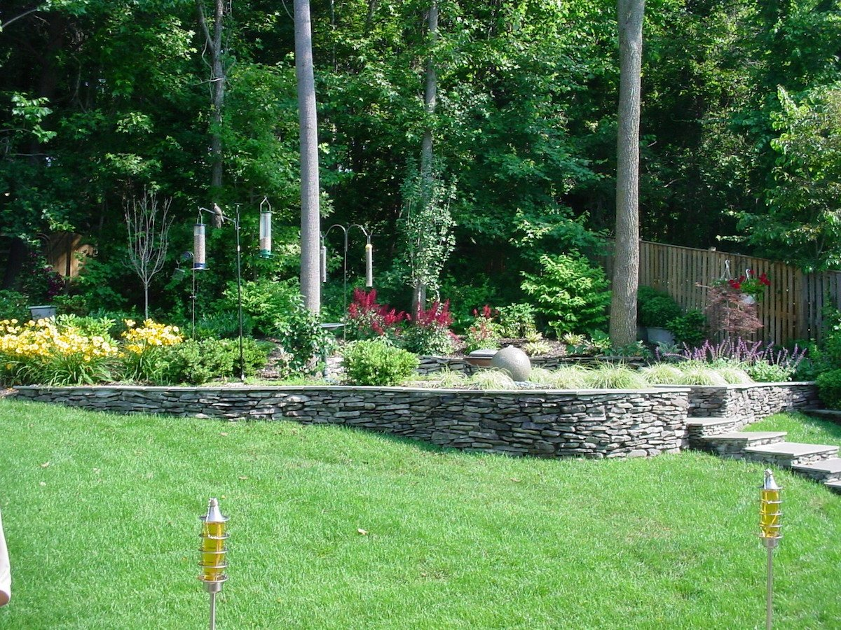 retaining-wall-stacked-stone-1