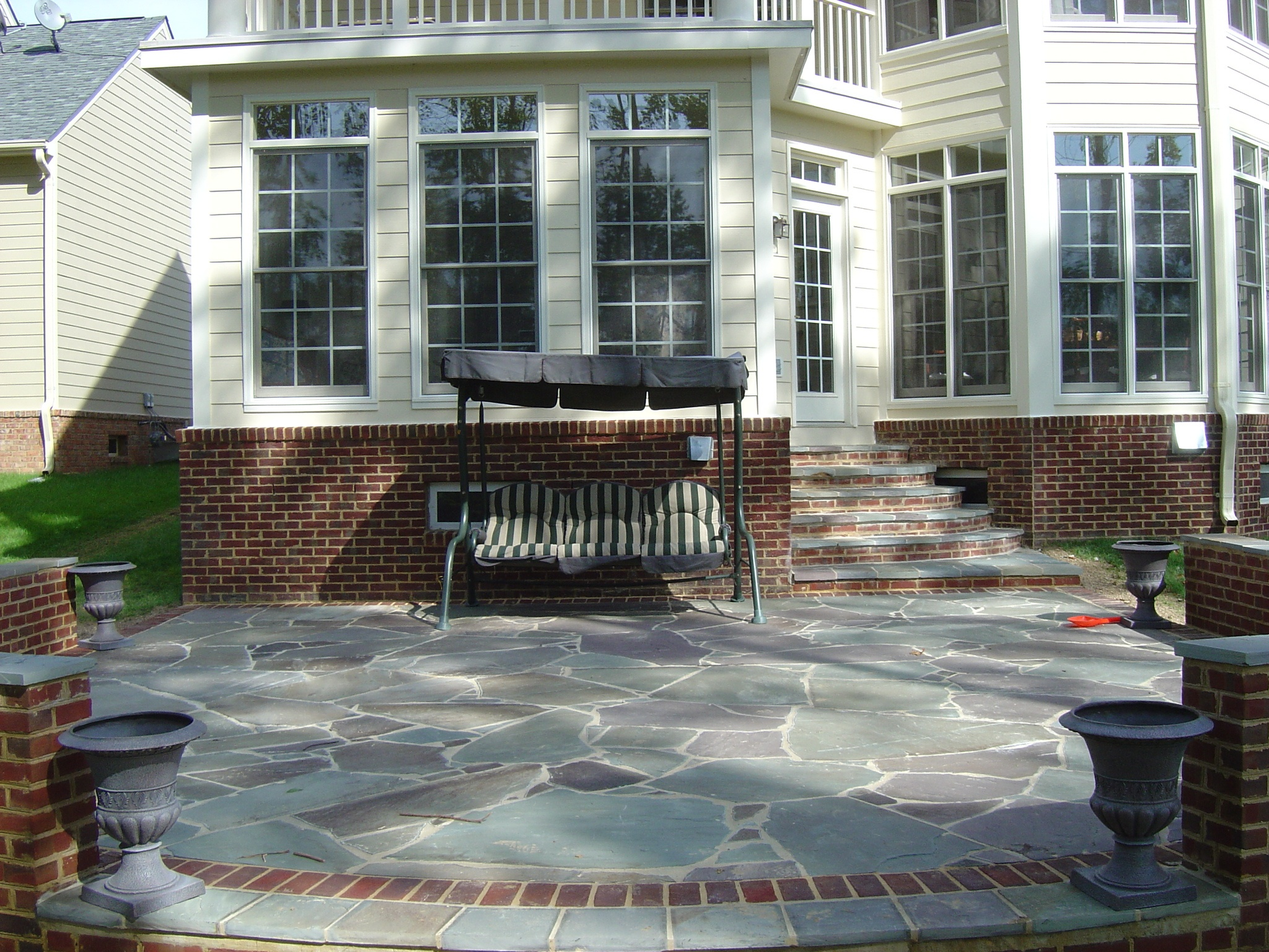 Patio with mixed materials