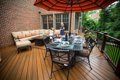 deck-table-customers-1