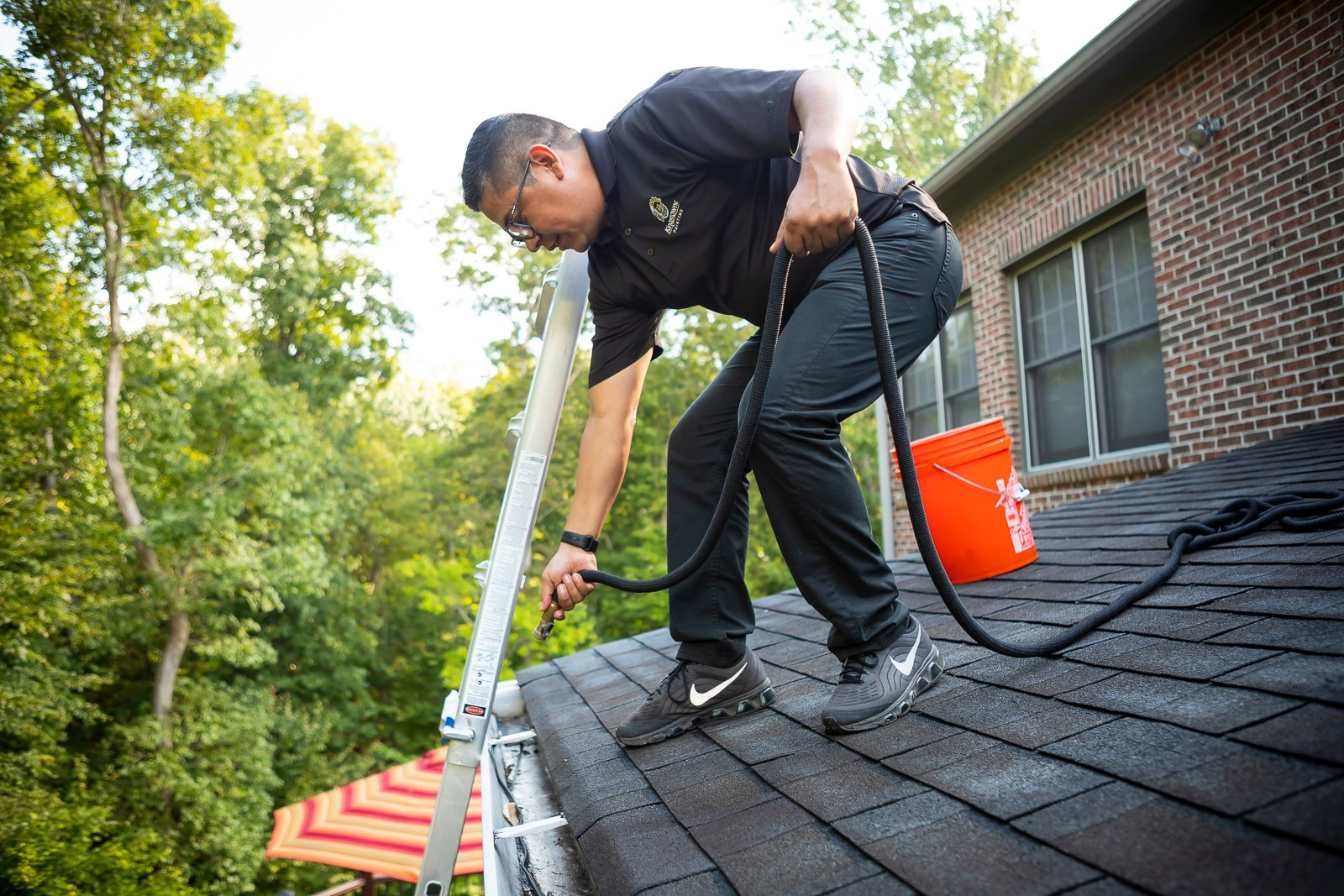 gutter cleaning service to get rid of mosquitoes