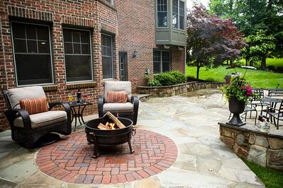 backyard patio with fire pit in Virginia