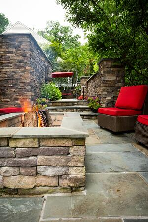 patio-wall-fountain-fire-pit