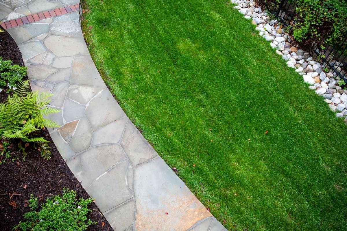 walkway-lawn-1