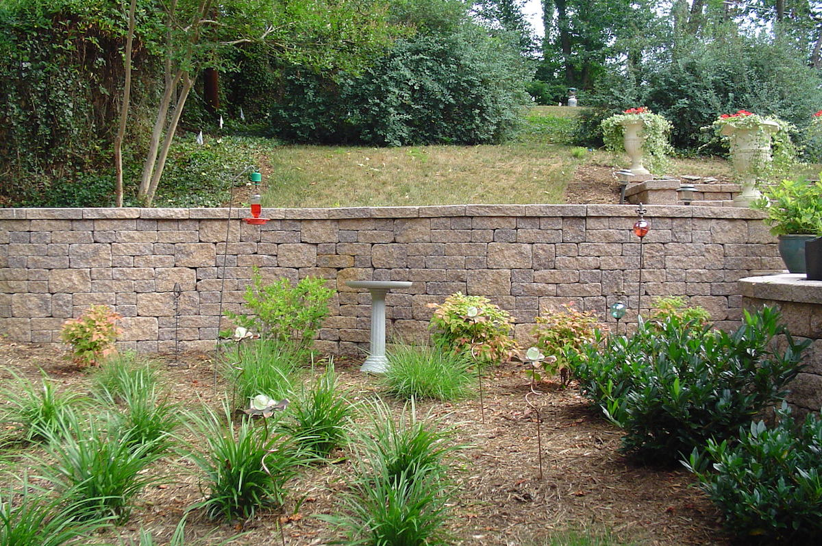 retaining wall in lawn