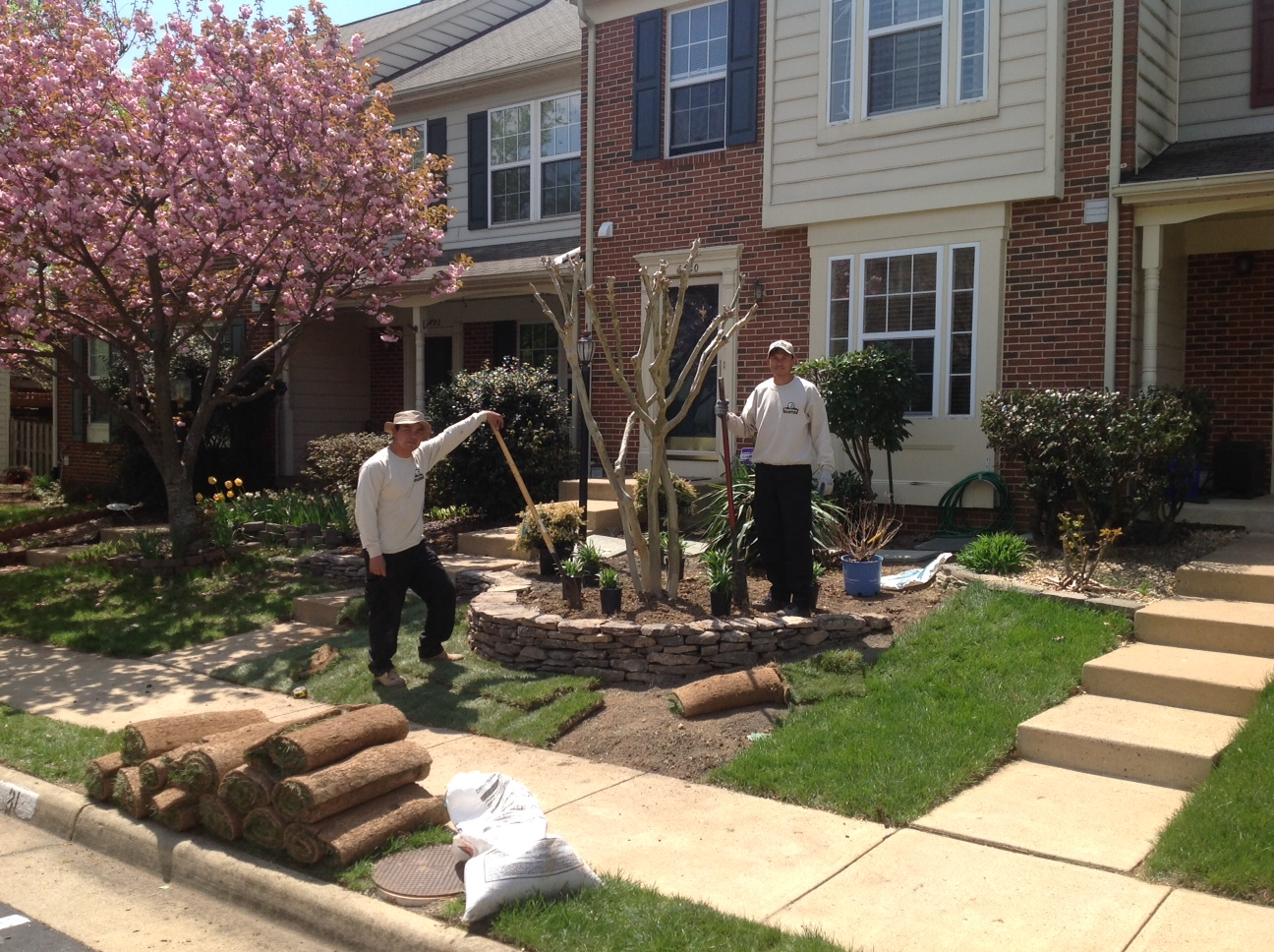 landscaping crew members working in Alexandria, VA